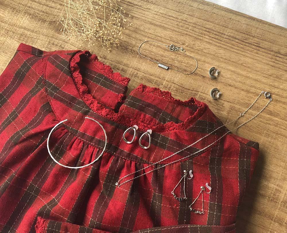 赤系ファッションとのコーデ